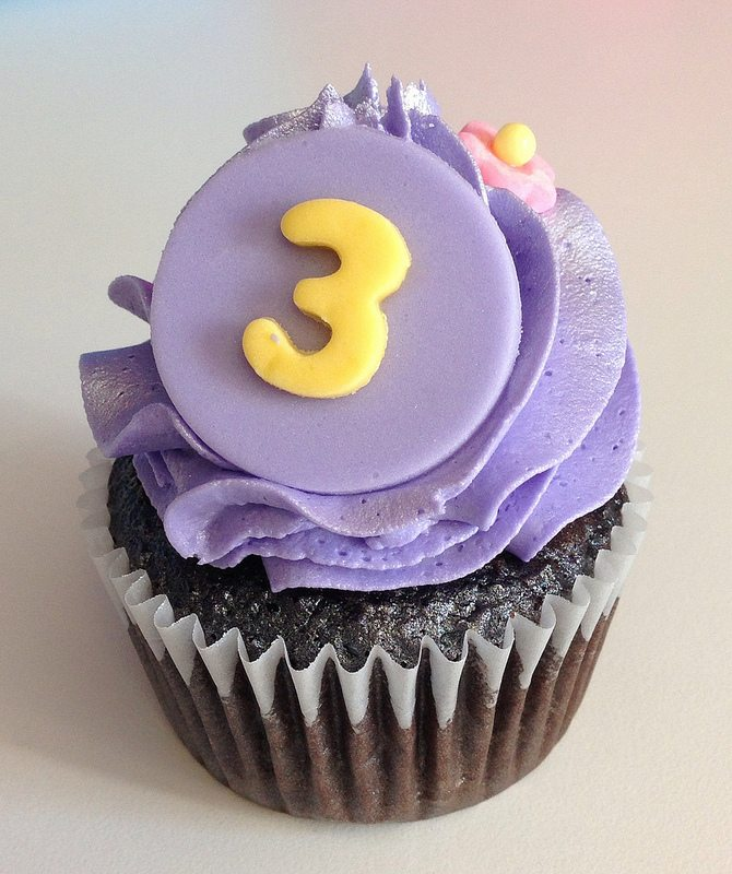 tangled cupcake. 3.