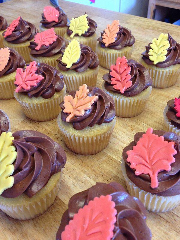 autumn leaf cupcakes